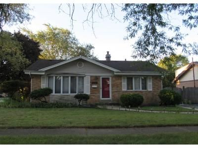 1.5 Bath Preforeclosure Property in Tinley Park, IL 60477 - 173rd Pl