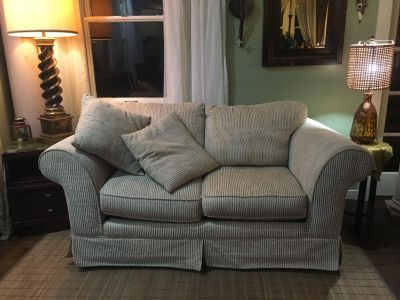 Loveseat / Sofa in Excellent Condition!