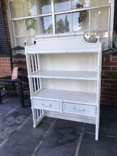 Shelf unit with drawers