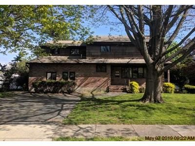 4 Bed 3.1 Bath Foreclosure Property in Westbury, NY 11590 - Oxford St