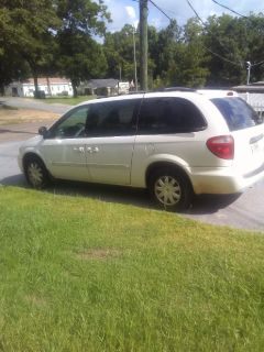 2005 Chrysler Town & Country almost perfect condition new tires runs great just don't need it 177000