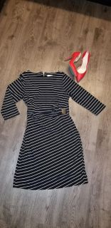 Chicos size 1 conversion to medium 8-10, material is very stretchy