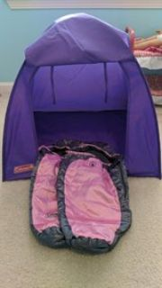 Doll tent with 2 sleeping bags