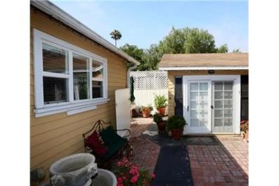 Beautifully fully furnished Laguna Canyon cottage.