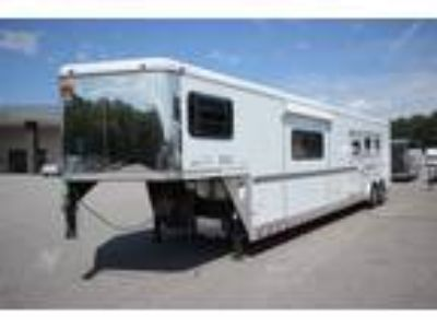 2004 Sundowner Trailers HTLQ 3 HORSE SLANT LOAD W/15FT LIVING QUARTER HORS 3