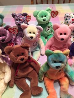 HUGE lot of Beanie Babies