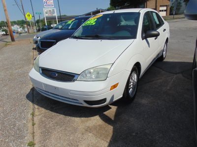 2005 Ford Focus ZX4 S (White)