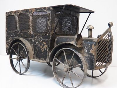 Vintage Metal Large Truck Planter Email Offer To info@onlinethriftoutlet.com