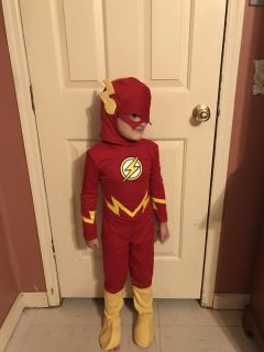Flash Costume sz Small 4-6 only worn for hour to justice league party