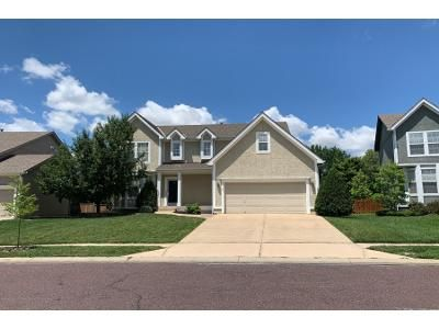 4 Bed 2.5 Bath Preforeclosure Property in Overland Park, KS 66221 - W 137th Pl