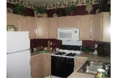 Apartment for rent in Portage. Single Car Garage!