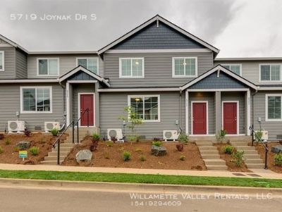 Townhome in South Salem