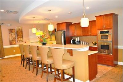 3 bedrooms Townhouse - Apartments in Westbury.