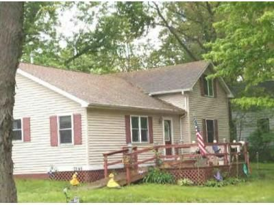 3 Bed 1 Bath Foreclosure Property in Hamlet, IN 46532 - E 860 S