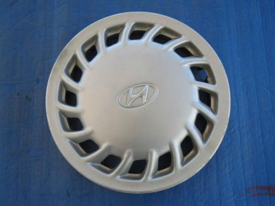 "Find 1 Used 1992 93 1994 Hyundai Elantra 14"" Wheel Cover 5296028300 Hubcap 55519 SH1 motorcycle in Philadelphia, Pennsylvania, US, for US $20.00"