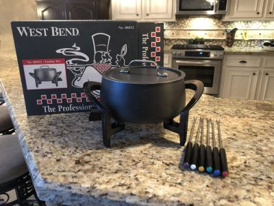 Fondue Pot (Never Been Used)