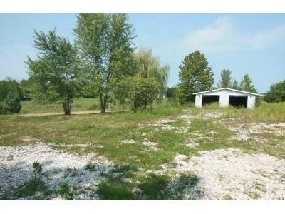 Foreclosure Property in Winfield, MO 63389 - Randy Dr