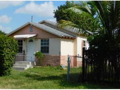 3 Bed 1 Bath Foreclosure Property in Miami, FL 33150 - NW 102nd St