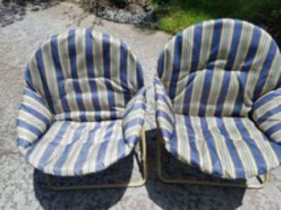 Metal frame patio chairs