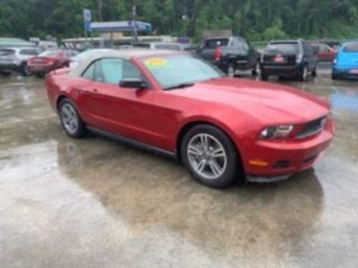 2011 Ford Mustang V6 (RED)