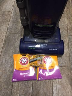 Hoover vacuum 6 bags 2 belts exce cond