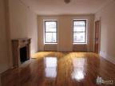 Huge One BR W/Separate Kitchen/Dining Area** **Heart of Hell's Kitchen**