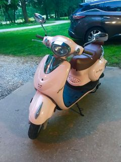 BIELLA 49CC PINK SCOOTER IN EXCELLENT CONDITION