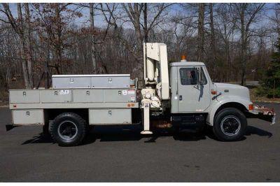 8789 - 1995 International 4700; National N95 Knuckleboom; 7 Ton Crane Truck