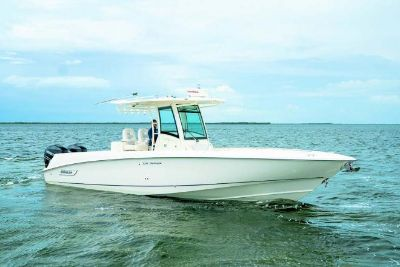 2013 Boston Whaler 320 Outrage Center Console