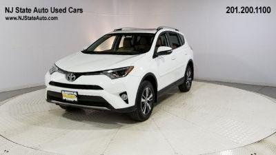2016 Toyota RAV4 XLE (Blizzard Pearl)