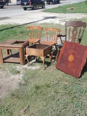 3 chairs and 3 end tables $12.00- for all.