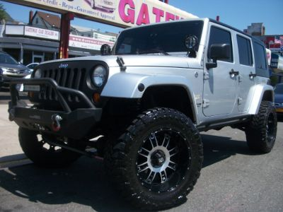2008 Jeep Wrangler Unlimited Sahara (Stone White)