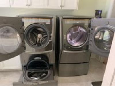 LG 6.2 Capacity Washer/Dryer Bundle with Sidekick washer and Stand