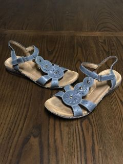 Women s Natural Soul All Thru Comfort Leather Supportive Sandals Sz. 8