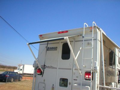 2004 LANCE 920 TRUCK CAMPER GENERATOR JACKS FULL BATHROOM CLEAN USED RV NOLEAKS!!!