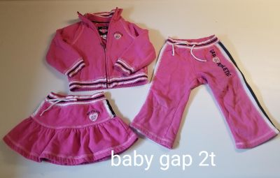 Baby gap size 2T outfit