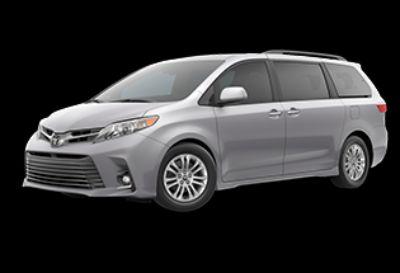 2020 Toyota Sienna XLE (Celestial Silver Metallic)