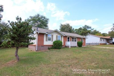 4bd 2ba  -Best Deal In Town FREE RENT SPECIAL, MOVE IN READY.....4bd, 2ba CALL NOW!!!!!