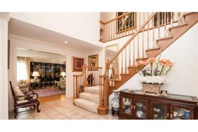 Center Hall Colonial with perfect floor plan. Pet OK!