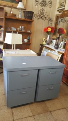 Filing Cabinet with Top