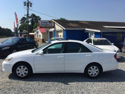 2003 Toyota Camry LE (White)