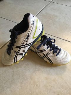 Soccer cleats, youth size 1