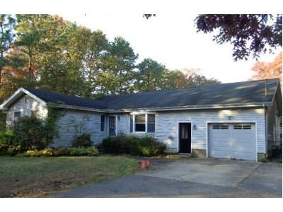 3 Bed 2 Bath Foreclosure Property in Manorville, NY 11949 - Dayton Ave