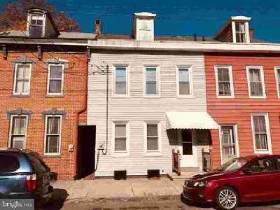 133 Cumberland St Lebanon, Remodeled 2.5 story townhouse