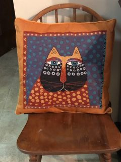 Cute Kitty Cat Accent Pillow. Good condition. 16 . Square