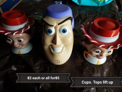 Buzz light year & jessie cups