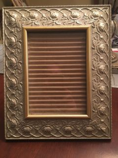Pretty Frame for 5X7 photo EUC
