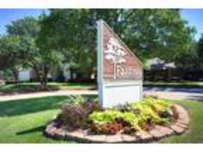 Falltree Apartments - One BR One BA