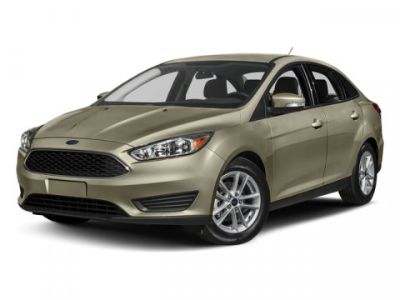 2017 Ford Focus SE (White Gold Metallic)
