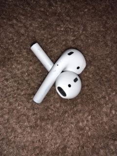 Apple AirPods WITHOUT charging case